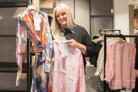 KVALITET: Butikksjef Birgitte Søberg satser på kvaliet til de som er motebevisste i alle aldre. InWear er tilbake i motebilde med en kolleksjon til 50-årsjubileumet som er i år.