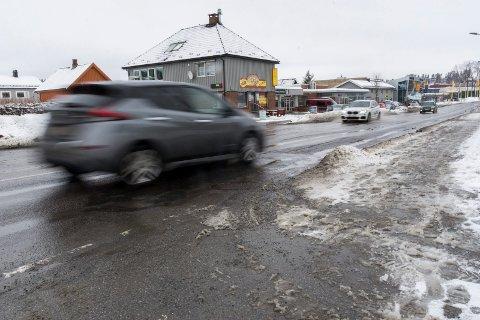 HER BLIR DET ASFALT: Osloveien er en av de lokale veiene som får ny asfalt i 2019.