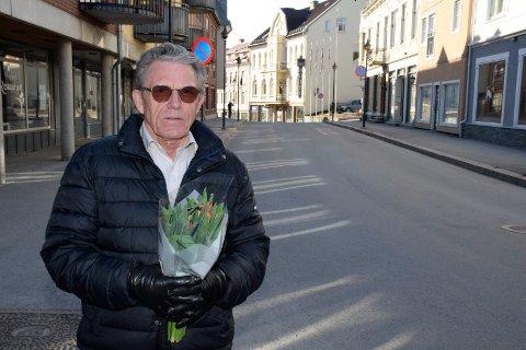 MOT NARKO: Ola Eiklid Hølen (74) vil ha samarbeid med politiet og utesteder for å få ned narkobruken i Hønefoss.