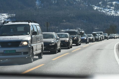 KØ: Ved Garntangen var det fredag ettermiddag tett trafikk.