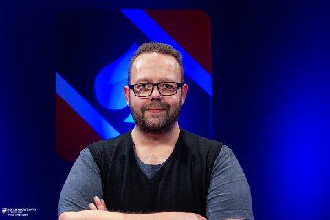 KLAR FOR FINALE: Trond Bjella, bosatt på Gran, er opprinnelig fra Jevnaker. Søndag kan han vinne store summer. Foto: poker.no