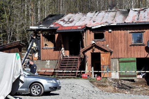 Hus ble totalskadet i brann i Halvorsbøleveien på Jevnaker natt til tirsdag.