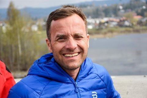 2019: Nå er Krister Sørgård leder hos Bilia i Hønefoss, men han er fortsatt svært aktiv i skimiljøet.