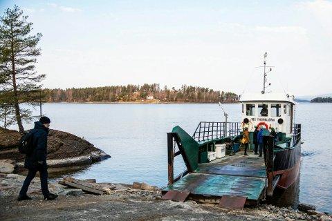LÆRERIKT: Filmskapere fra Den kulturelle skolesekken fikk med seg viktig lærdom fra besøket på Utøya.