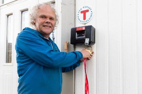 ÅPNING: Svein Roger Thorsrud er assisterende koiesjef på Friluftshuset i Åsa. DNT Ringerike markerer søndag den offisielle åpningen, selvom det har har vært i bruk siden i fjor sommer.