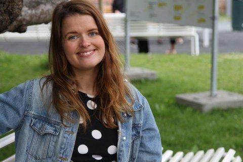 AKSJEKAFFE: Ida Hundvebakke er blitt så bitt av aksjebasillen, at hun inviterer til jevnlige temamøter over en kaffekopp.