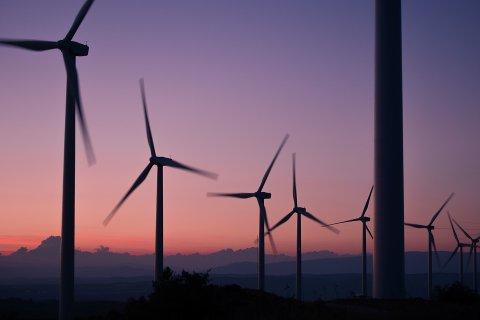 I VINDEN: - Dersom vindmølleparker hadde vært et nasjonalt behov som begrunnelse, hadde de fleste forstått det. Mitt inntrykk er derimot at det er store utenlandske investorer som er pådrivere, skriver Erling Kongshaug i dette innlegget. Illustrasjonsfoto