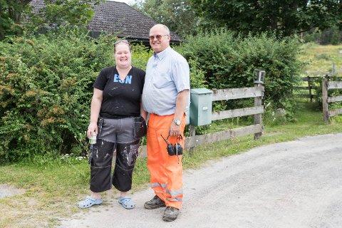 OVERTAR: Datter Catharina overtar Skjørvold gård etter faren Nils. Hun er femte generasjon Skjørvold som driver gården.