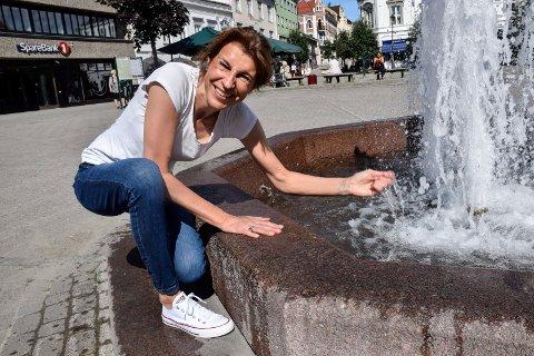 NY JOBB: Helle Keiseraas (49) fra Hønefoss er ny daglig leder på Ringeriksbadet. – Jeg gleder meg til å bli kjent med og lære av de ansatte, sier hun.