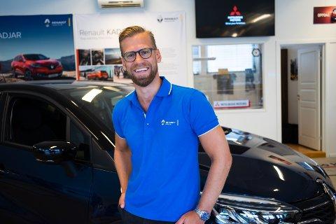 TROR PÅ SUKSESS: Hos Bilco i Hønefoss er Anders Lillestø Gunvaldsen daglig leder og bilselger.