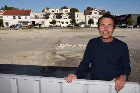 GRUNN TIL Å VÆRE GLAD: SIndre Lafton kan glede seg over svært godt salg av leiligheter i boligprosjektet Sundgata terrasse.