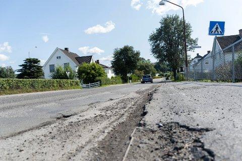 ENDELIG NY ASFALT: Natt til torsdag i neste uke er det planlagt asfaltering i Vesterngata-området.