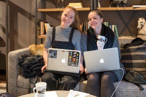 ESPRESSO HOUSE: - Endelig. Dette har vi savnet fra tiden i Oslo og Espresso House på Sankthanshaugen, sier  Ingrid og Elisabeth.