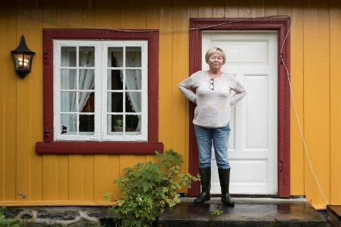 OPPERUDSETRA: Ingrid Skøien har hatt mye besøk oppigjennom årene. - Her har vi hatt mange hyggelige sammenkomster, forteller hun.