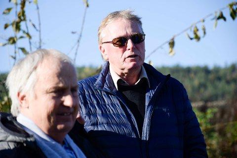 FRUSTRERT: Stein-Roar Eriksen (uavh.)  var svært frustrert. Roger Larsen (Frp, nærmest) mente at kommunen ikke kunne skylde på korona i 2019.