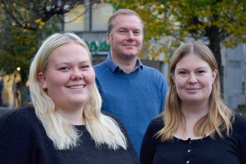 KLARE: Jobbkonsulentene Camilla Ask og Anna Stjernlöf og oppfølgingsleder Christian Elind i Fretex får snart sine første brukere fra Nav, og skal hjelpe dem ut i arbeid.