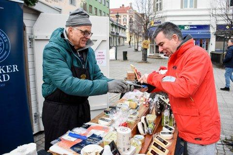 KJØPTE OST: Marinko Skoric kjøpte ost fra Thorbjørnrud av Trond Wahlstrøm.