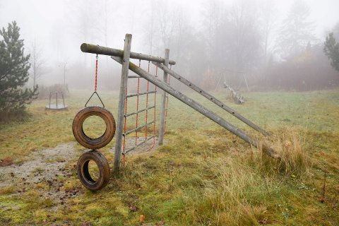TAS NED: Hole kommune vil ta ned lekeapparatene på den gamle lekeplassen innerst i Einar Sundøens vei. Men vil de bli erstattet?