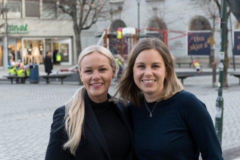 SPENNENDE: Helene Hollerud Skare (t.v.) og Stine Næss Inderberg synes det er spennende tider i Hønefoss. Nå vil de gjerne være med og bidra til byutviklingen.