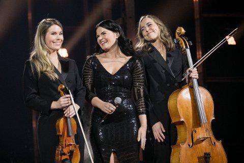 VINNER: Madeleine Ossum (t.v.), Ulrikke Brandstorp og Kamilla Ræder Kvarstein. Bildet er fra delfinalen i H3 arena.