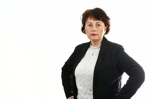 FREKT: - Et frekt forslag! Helsesykepleierne har ikke mandat til å skrive ut fraværsmeldinger for skoleelev, sier Ann Karin Swang fra Hønefoss, leder for landets helsesykepleiere.