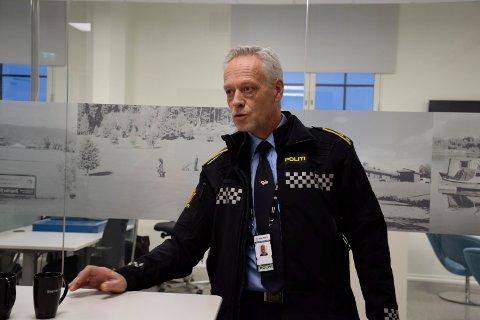 MANGE OPPDRAG: Bent Engebret Øye, seksjonsleder for etterforskning ved Hønefoss politistasjon, sier at politiet noen ganger har oppdrag på samme person flere ganger i uka.