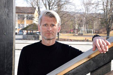 ELEV SMITTET: Rektor ved Ringerike videregående skole, Bjørn Volleng.