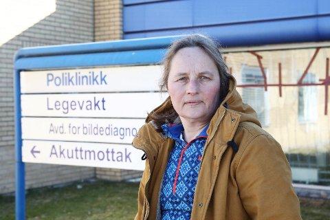 RINGES NED: Legevakta i Hønefoss opplever at svært mange er bekymret og vil testes for koronavirus. Kommuneoverlege Karin Møller ber folk unngå å ringe hvis de ikke er syke.