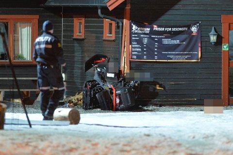 ALVORLIG: To personer ble skadd i en snøscooterulykke i Vikersund torsdag kveld.