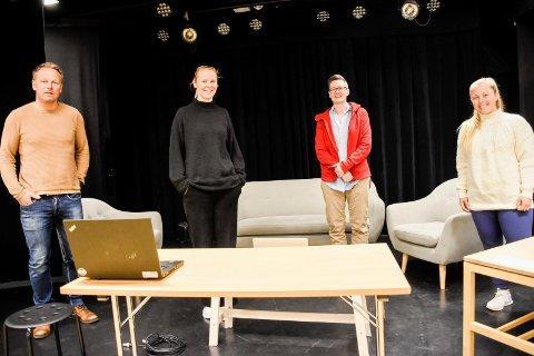 AVSLUTNING PÅ NETT: Morten Eikenes, Gøril Fauske, Tove Hirth og Therese Knoph Sulland møtte elevene til avslutning digitalt.