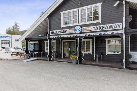 TIL SALGS: Hallingby Kro skal selges.