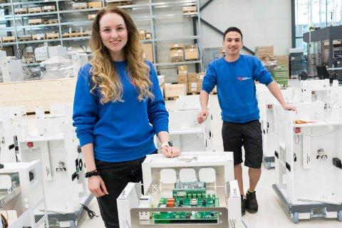 TILBAKE: Cecilie Gaarud Bergsrud og Baqer Shakeri er to av 80 ansatte som ble permittert fra Tronrud Engineering. Nå er de tilbake på jobb.