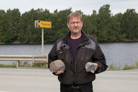 TUNG: Den største av disse steinene veier 4,6 kilo. – Jeg ser med gru på at noen skal bli skadet. Lastebilene kjører ganske fort også. Får man en stein på 4,6 kilo rett i frontruten, kan det gå svært ille, sier Arve Wik. Han ber bilister passe på langs Norderhovsveien.