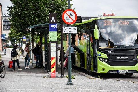 STANS: Natt til søndag ble det klart at det blir streik blant bussjåførene. Dermed er det full stans i busstrafikken i Ringerike, Viken og Oslo. Oslobussen går heller ikke.