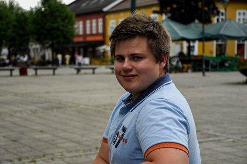 FIKK SJANSEN: Stian Bergstrøm fra Jevnaker ble valgt ut blant 27 søkere til trainee-stillingen hos Tronrud Engineering.
