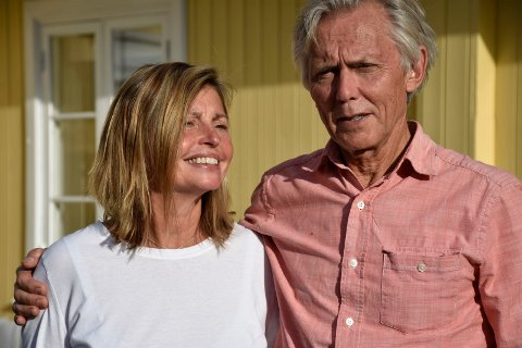 PÅ BESØK: Karen er ofte på besøk hos ektemannen Steinar, men nå reiser hun tilbake til USA og overlater til Steinars kamerater å arrangeres 70-års fest i Norge.