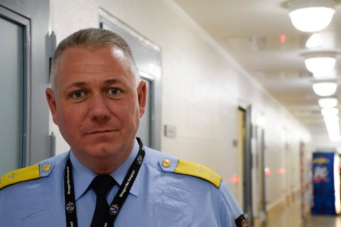TILBAKE TIL NORMALEN: - Fra neste uke har vi normal drift igjen, sier Eirik Bergstedt, fengselsleder ved Ringerike fengsel.