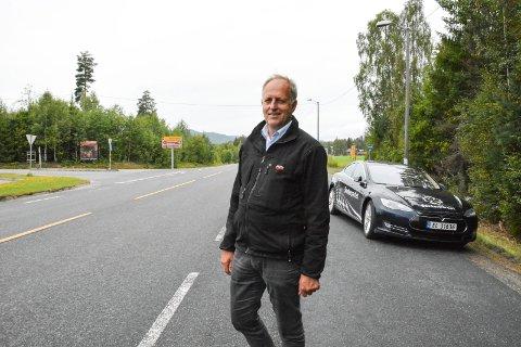 OSLOFJORDFORBINDELSEN: Olav Skinnes (Sp), forteller at det nye løpet under Oslofjorden er beregnet til å ville koste 5,5 milliarder kroner, og at prosjektet skal finansieres med bompenger.