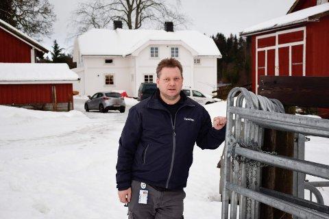 SLUTTSTREK: John Håvard Velo håper at Ringerike tingrett skal sette sluttstrek for diskusjonen om hvem som har fiskerett i Øyangen.