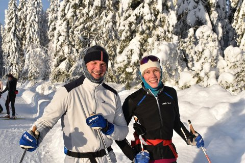 NYTTÅRSFORSETT: Helene Ribe (49) og Knut Gomnæs (55) fra Oslo-området har god form og mer skigåing i sikte for 2021.