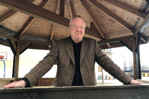 TAKK FOR SIST? Terje Andersen var aktiv i debatten da Hønefoss skole skulle legges ned. Nå beskyldes han for å hevne seg på de ansvarlige politikerne.