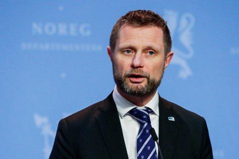 Helse- og omsorgsminister Bent Høie på fredagens pressekonferanse om koronasituasjonen.