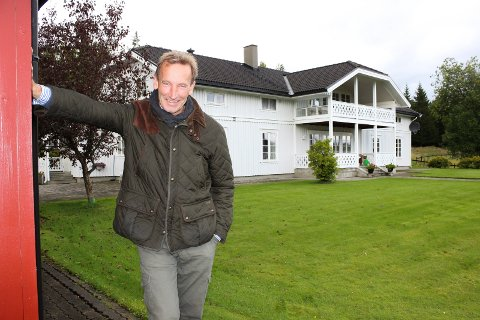 EIEREN: Henrik Herman Bay har kjøpt gården fra Sfhp AS. Han er daglig leder og styreleder i selskapet, og har kjøpt Hervig som privatperson.