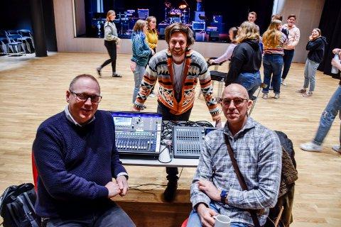 FORNØYDE: Både Trond Lien, Kenneth Sørum Bekkemoen og Remi Fagereng var svært godt fornøyde med elevenes prestasjoner.
