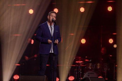 KONKURRANSE: Knut Eirik Gilhuus er en av ni deltakere som prøver seg i «The Voice» på TV 2 i fredagens sending.