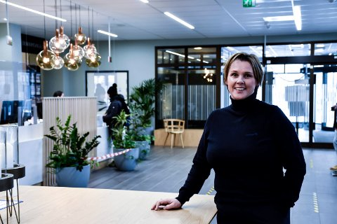 SA OPP: Janniche Larssen Bockmann har sluttet i jobben som markedskoordinator i Sparebank 1 Ringerike Hadeland.