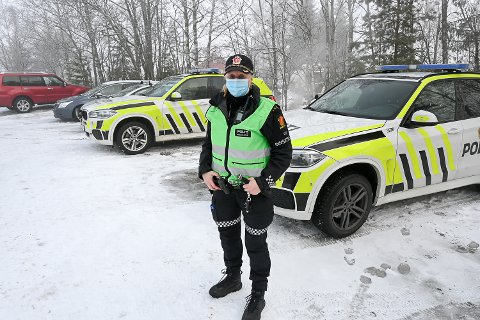 LETEAKSJON: – Det har pågått søk etter den savnede kvinnen i hele natt, men hun er fortsatt ikke funnet, sier politiets innsatsleder Line Andresen Olstad.