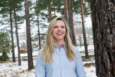 GJØR KARRIERE I SKOGEN: Kjersti Denver er ny logistikksjef i Viken AT Market, som selger tømmer til utlandet for 400 millioner kroner i året.