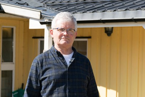 KRITISK: Lars Johnny Olsen mener Ringerike kommune behandler kloakkabonnenter med tett tank urettferdig. Han mener de ikke bør betale mer enn innbyggerne som har kommunal kloakk.