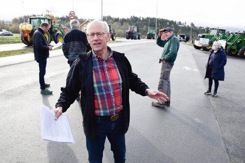 SVARER: Den lokale bondelederen Lars Fredrik Stuve har ikke noen problemer med å svare på hvorfor bønder bør få større tillegg enn andre.
